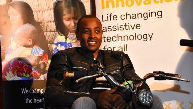 Photo of Au Kenya, cet innovateur crée des fauteuils roulants électriques avec des batteries de vieux ordinateurs portables